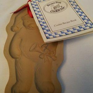 1990 Brown Bag Cookie Mold TEDDY BEAR